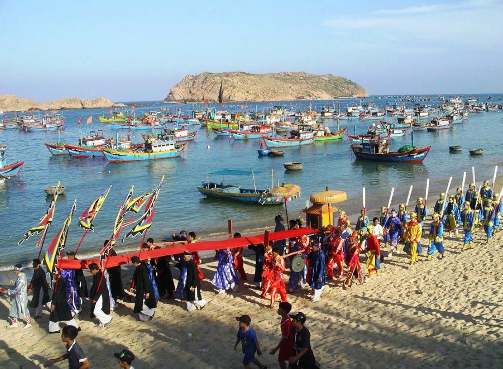 Lễ hội Cầu Ngư tại làng Nhơn Hải, Quy Nhơn